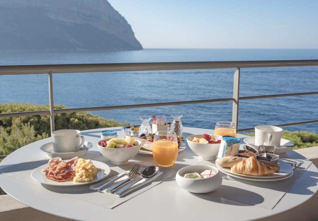 Cassis - Les Roches Blanches - Hotel - Breakfast