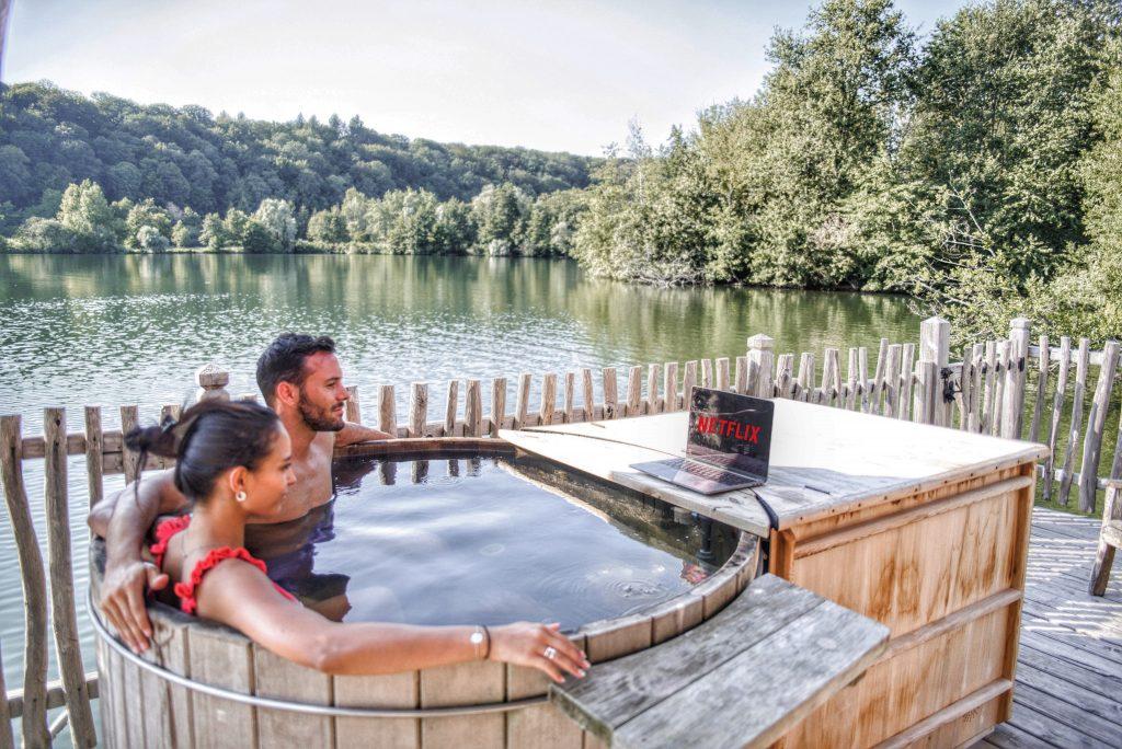 Bain Nordique sur terrasse avec Netflix