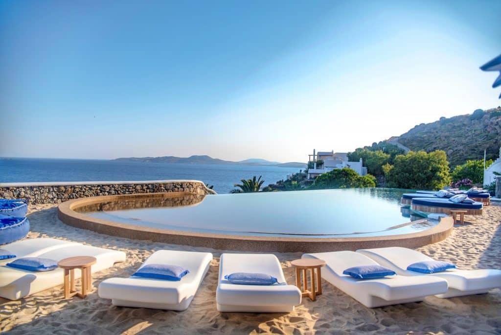 Katikies Hôtel Mykonos | Restaurant avec vue sur piscine et mer